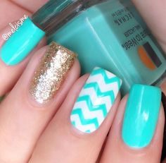 Create a classic chevron manicure with our easy-to-use Chevron Nail Vinyls. Achieve perfect zigzags and be as creative and imaginative as you want with these traditional nail vinyls! Outsides included Fancy Nails, Love Nails, Diy Nails, Manicure And Pedicure, Chevron Manicure, Manicure Ideas, Nail Ideas, Blue Chevron Nails, Summer Toe Nails