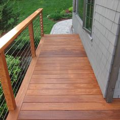 Traditional Porch Deck Design, Pictures, Remodel, Decor and Ideas - page 8 Garden Railings, Deck Railings, Cable Railing, Railing Ideas, Outdoor Spaces, Outdoor Living, Outdoor Ideas, Outdoor Stuff, Home Fencing