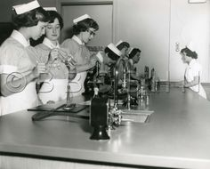 Students in science laboratory. Circa Lankenau Hospital School of Nursing. Image courtesy of Barbara Bates Center for the Study of the History of Nursing. 1960s Movies, History Of Nursing, Biomedical Science, Vintage Nurse, Training School, Nursing Schools, Working People, School Pictures, Great Britain