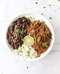 An easy Cuban Ropa Vieja Recipe, Shredded Beef, made in the Crock Pot. Seared beef covered with onions, garlic & peppers then braised in a green chili tomato sauce until it's fall apart tender. Fall Crockpot Recipes, Easy Healthy Recipes, Oven Recipes, Cooker Recipes, Delicious Recipes, Keto Recipes, Vegetarian Dinners, Vegetarian Recipes, Cuban Recipes
