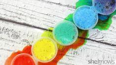"""Det här experimentet, som är hämtat från She knows, går ut på att du ska blanda karamellfärger, vinäger och bakpulver för att få en """"exploderande regnbåge"""". Häng med här så att du lär dig hur du gö..."""