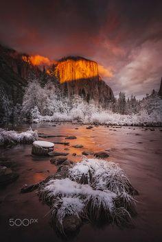 Golden Winter Sunset - Photography by Denis & Kim Hang Dessoliersbit.ly/deniskimhang Yosemite Val