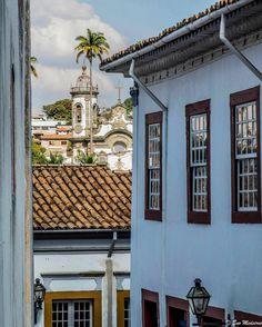 O viajar nos faz observar os detalhes... - Foto: Detalhes de São João Del Rei, MG  - #lugaresdobrasil #caçadoresdeimagens #saojoaodelrei #photooftheday #portasejanelas