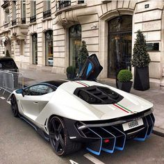 Lamborghini centenario or Bugatti chiron? Luxury Sports Cars, Top Luxury Cars, Exotic Sports Cars, Sport Cars, Exotic Cars, Carros Lamborghini, Lamborghini Cars, Ferrari, Maserati