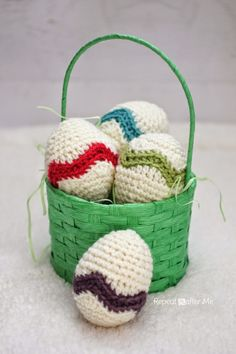 Repeat Crafter Me: Crochet Chevron Striped Easter Egg