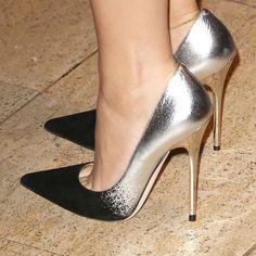 These have been the most beautiful stilettos I& seen. - These have been the most beautiful stilettos I& seen. Stilettos, Heel Pumps, Stiletto Heels, High Heels, Shoes Heels, Manolo Blahnik, Cheap Womens Shoes, Metallic Shoes, Estilo Fashion