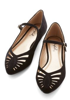 Qupid Head of the Sass Flats in Black