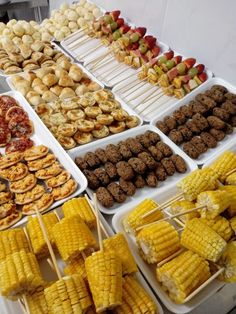 Corn on the cob Catering Buffet, Catering Food, Catering Display, Candy Bar Wedd… – Wedding Catering Party Food Buffet, Catering Buffet, Party Food Platters, Catering Food, Catering Display, Catering Ideas, Snacks Für Party, Appetizers For Party, Wedding Reception Food