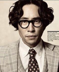 류승범, korea moviestar end fashionista Stylish Men, Gentleman, Hairstyle, Poses, Mens Fashion, Long Hair Styles, Portrait, Glasses, My Style