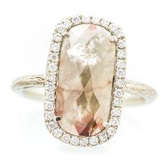 Jewellery Box In Spanish Elegant Wedding Rings, Wedding Rings Vintage, Sapphire Diamond Engagement, Halo Engagement Rings, Emerald Ring Vintage, Silver Claddagh Ring, Oval Diamond, White Gold, Rose Gold