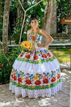 Quinceañera Yucateca. MEXICO