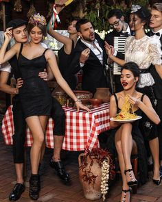 The recipe to having a good time: food, friends, fun and the new Dolce&Gabbana collection! Italian Chic, Italian Romance, Italian Lifestyle, Italian Beauty, Italian Girls, Italian Style Fashion, Dolce & Gabbana, Michel Fugain, Sicilian Women