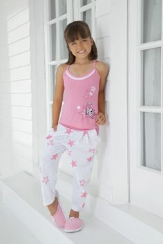 www.dlunaas.com Cute Pajamas, Girls Pajamas, Little Girl Fashion, Kids Fashion, Fashion Outfits, Winter Outfits, Kids Outfits, Cute Outfits, Kids Vest