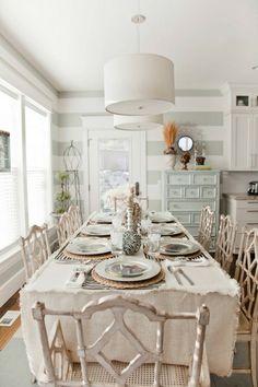 vintage esszimmer möbel tischdecke weiß stühle holz naturgetreu