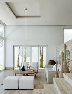 Minimalist living room - Want a minimalist style living room? Check out our tips to create an airy living room with harmony and personality without getting rid of everything! Find and save ideas about Minimalist living rooms in this article. Coastal Living Rooms, Home Living Room, Living Room Designs, Living Room Decor, Living Spaces, Dining Room, Design Salon, Deco Design, Design Hotel