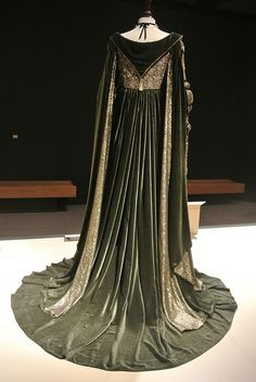 Rodmilla's Green Gown - Ever After