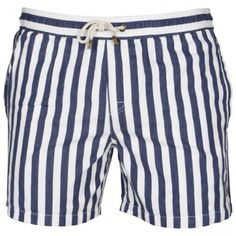 Swimming Stripes - my dream man will be wearing these as swimming trunks:) Boy Fashion, Mens Fashion, Style Personnel, Swim Shorts, Guys Shorts, Casual Wear For Men, Man Swimming, Fashion Pictures, Gq