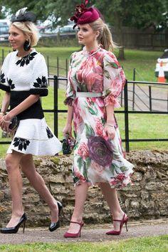 Royale Looks: Der Style der Windsor-Ladys Vestido Lady Like, Kitty Spencer, Mode Glamour, Estilo Real, Wedding Attire, Royal Wedding Guests Outfits, Royal Dresses, Cat Dresses, Fancy Hats