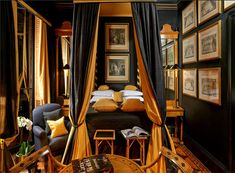 Established in Blakes Hotel is regarded as the world's first luxury boutique hotel. Located in the desirable Royal Borough of Kensington. London Hotels, Best Boutique Hotels, Best Hotels, Romantic Hotel Rooms, The Ritz Paris, Restaurant Pictures, South Beach Hotels, Yellow Interior, Beautiful Hotels