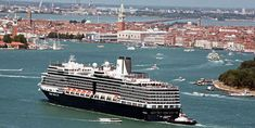 Arriving in Venice aboard a cruise ship or ferry from Greece or Croatia—How to get between the port and either the airport or downtown Venic...