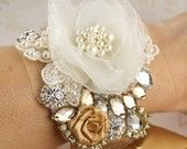 Corsage idea! @Gail Bunning this would look nice with her dress!