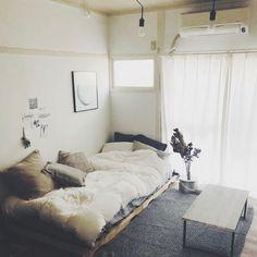 MmeetsNさんの、IKEA,グレー,ポスターのある部屋,インダストリアル,ドライフラワー,一人暮らし,塩系インテリア,DIY,賃貸DIY,賃貸インテリア,男前インテリア,ラグ,ベッド周り,のお部屋写真
