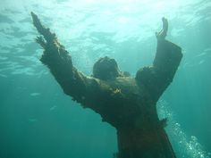 Christ-of-the-Abyss statue,  @ John Pennekamp State Park, Florida