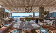 Mikonos 42 incredible design solutions for the terraces The Island of Mykonos is considered a magical and extremely welcoming destination. For many it is the best choice when you want to spend a perfect holiday in the most Aegean.