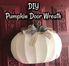 This Fall Pumpkin Wreath is perfect for your front door! A cheap and easy DIY, this wreath is sure to brighten up your home! Dollar Tree Pumpkins, Dollar Tree Fall, Dollar Tree Crafts, Pumpkin Wreath, Diy Pumpkin, Fall Pumpkin Crafts, Diy Fall Crafts, Holiday Crafts, Pumpkin Tree