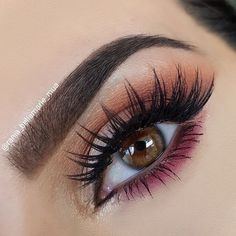 Finally got to try the new @anastasiabeverlyhills Modern Renaissance palette what do you think? I absolutely love the colours, the pigmentation and how blendable the eyeshadows are Deets: @anastasiabeverlyhills #modernrenaissance palette @anastasiabeverlyhills dipbrow in dark brown. @anastasiabeverlyhills Darkside Waterproof gel liner. @hudabeauty @shophudabeauty lashes in Sasha #anastasiabeverlyhills #abhbrows #norvina #abhshadows #abhglow#hudabeauty #shophudabeauty #alyaka...