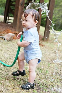 Super fast shutter speed for hose water.