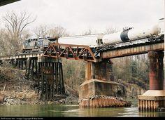 RailPictures.Net Photo: CSXT 128 CSX Transportation (CSXT) GE AC4400CW at Urbana, Texas by Bob Smith