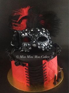 Burlesque Themed Cake #Sexy Cake #Miss Mini Moo Cakes #Corset Cake www.missminimoocakes.com.au www.facebook.com/MissMiniMooCakes