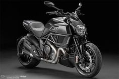 Ducati Diavel 2015 The base model Diavel will source black frame, wheels and paint scheme.