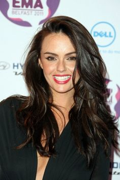 Jennifer Metcalfe - windblown perfection with perfectly bouncy hair