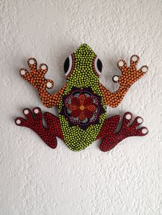 Rana puntillismo Shell Crafts, Bead Crafts, Arts And Crafts, Dot Art Painting, Stone Painting, Frog Crafts, Painting Templates, Arte Country, Fabric Animals