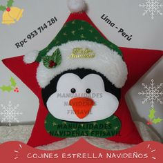 Cojín Estrella Pingüino Christmas Applique, Christmas Pillow, Felt Christmas, Christmas Stockings, Christmas Holidays, Christmas Wreaths, Christmas Decorations, Christmas Ornaments, Holiday Decor