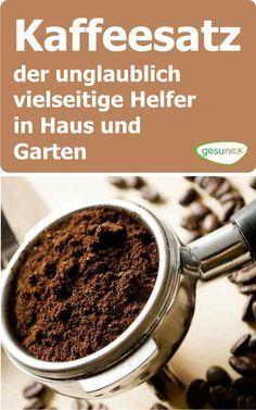 Kaffeesatz fällt in jedem Haushalt an, in dem Kaffee getrunken. Ob im Filter, in der Espressomaschine, im Kaffeepad oder in der Kaffeekapsel. Kaffeesatz ist reich an Kalium, Phosphor und Stickstoff und sollte nach dem Aufbrühen nicht einfach entsorgt werden. Der wertvolle Bioabfall kann noch vielseitig genutzt werden.