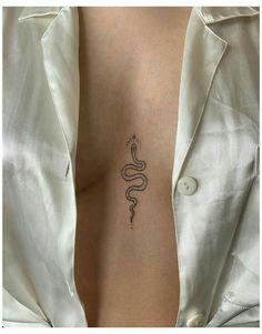 Rebellen Tattoo, Smal Tattoo, Small Snake Tattoo, Tattoo Hals, Sternum Tattoo, Piercing Tattoo, Piercings, Tattoo Quotes, Hip Tattoo Small