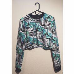 Illustrated People Crop Sweatshirt Worn once, no defects. Not sure if I'm ready to let this go, so make an offer! ASOS Sweaters Crew & Scoop Necks