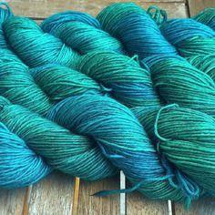 Laine teinte à la main - emeraudes et bleus - laine baby alpaga teinte à la main - 4 ply dk 100gr