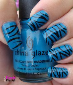 Zebra nail art is a quite popular among all animal nail arts. Here are the 9 colorful zebra nail art patterns that you can surely love and try out easily. Zebra Nail Designs, Zebra Nail Art, Zebra Print Nails, Simple Nail Art Designs, Easy Nail Art, Garra, Blue Nails, Glitter Nails, Striped Nails