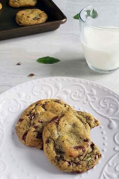 These fresh mint chocolate chip cookies are the perfect combination of crispy on the outside and soft and gooey in the middle. Frozen Cookies, No Bake Cookies, Cooking With Fresh Herbs, Growing Mint, Mint Chocolate Chip Cookies, Butter Mints, Fresh Mint Leaves, Baked Chips, Cookie Dough