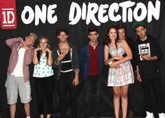 ALL THESE MEET AND GREET PICS ARE KILLING LOOK AT HARRY AND THE WAY HE HAS HIS ARMS AROUND THAT GIRL