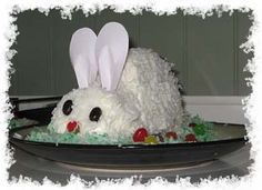 Easter Bunny Cake Ideas:    Two Recipes for How to Make a Bunny Cake [click photo]