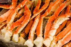 Garlic Butter Baked Crab Legs recipe: These are the best crab legs I've ever had. Found this recipe on another recipe website. Fish Dishes, Seafood Dishes, Fish And Seafood, Seafood Boil, Crab Boil, Seafood Restaurant, Main Dishes, Cooking King Crab Legs, Cooking Crab