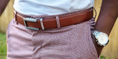 This means you don't have to deal with any belt holes (and who doesn't want an infinitely adjustable belt during the holidays? Fashion Hacks, Women's Fashion, Fashion Tips, Shirt Stays, Shirt Tucked In, Collar Stays, Men's Belts, Dress Socks, No Show Socks