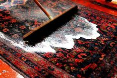 Avete tappeti in casa e non sapete come pulirli e curarli??! Ecco un rimedio…