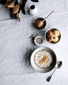 Honeyed oats with fresh apricot chunks