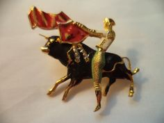Matador Figural - Upload to Mink Road 2015 Mink, Vignettes, Costume Jewelry, Buildings, Jewelry Accessories, Vintage Fashion, Brooch, Brooch Pin, Fashion Vintage